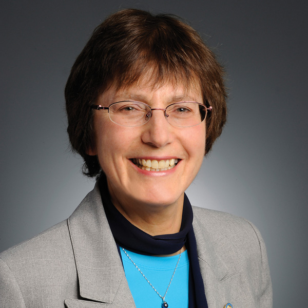 Headshot of CFPC executive director and CEO Dr. Francine Lemire